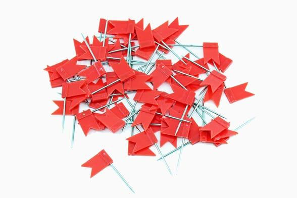 60 drapeaux rouges